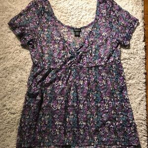 Sheer floral high-low top from Torrid. Size 0
